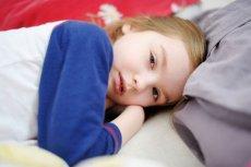 Bóle wzrostowe potrafią być bardzo dokuczliwe i mogą nie pozwalać dziecku zasnąć.