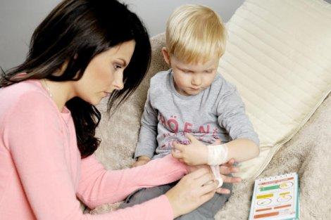 Mało który rodzic potrafi udzielić pierwszej pomocy swojemu dziecku w prawidłowy sposób.