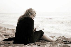 Fot. Pixabay / [url=https://pixabay.com/en/read-book-reading-literature-books-369040/]makunin[/url] / [url=https://pixabay.com/en/service/terms/#download_terms]CC0 Public Domain[/url]
