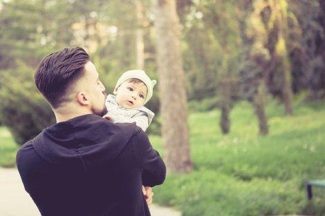 Ojcostwo jest fantastyczne, szkoda, że w rzeczywistości musi mierzyć się z takimi przeciwnościami.