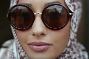 Mariah Idrissi, czyli pierwsza muzułmanka w hidżabie, która pojawiła się na reklamie popularnej marki odzieżowej