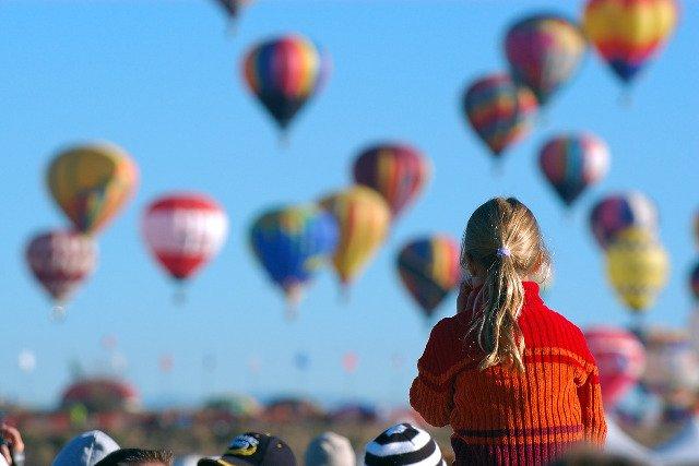 Fot. Pixabay/[url=http://pixabay.com/pl/dzieci-krajobraz-kobiet-590072/]GGOMANG[/url] / [url=http://bit.ly/CC0-PD]CC0 Public Domain[/url]