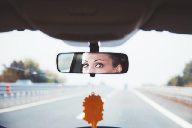 Fot. Splitshire / [url=http://www.splitshire.com/eyes-in-the-mirror]Daniel Nanescu[/url]