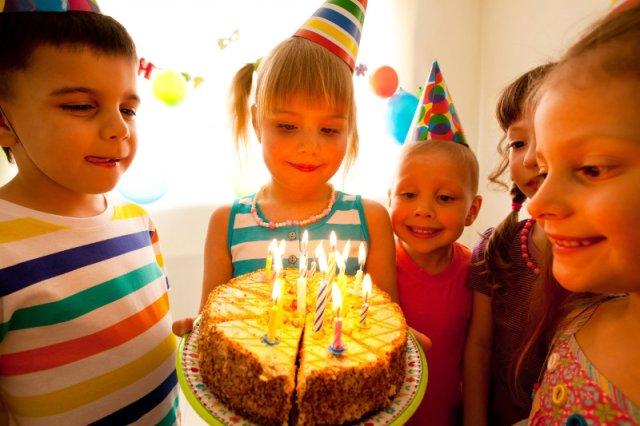 Czy na urodziny zawsze trzeba przynosić prezenty?