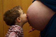 ZUS sprawdza, czy matki prowadzące firmy nie wyłudzają zasiłków macierzyńskich.