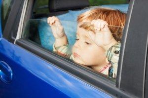 Podróż samochodem z dzieckiem może być fajną zabawą!