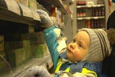 Kiedy kłamiemy dziecku, że kupimy coś następnym razem, maluch przestaje nam ufać i w konsekwencji sam zaczyna kłamać.