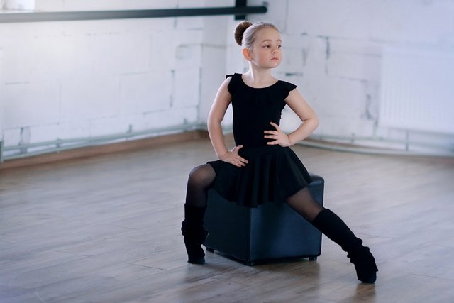 Fot. Pixabay / [url=https://pixabay.com/en/ballet-girl-child-ballerina-dance-1030921/]Unsplash[/url] /[url=https://pixabay.com/en/service/terms/#usage] CC0 Public Domain[/url]