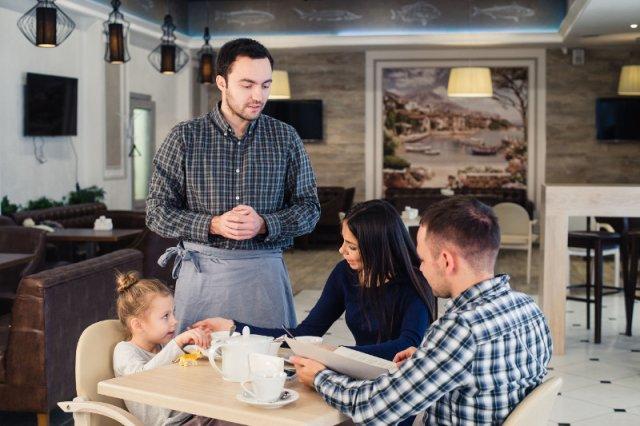 Czy nagradzanie rodziców za dobre zachowanie dzieci, to dobry pomysł?