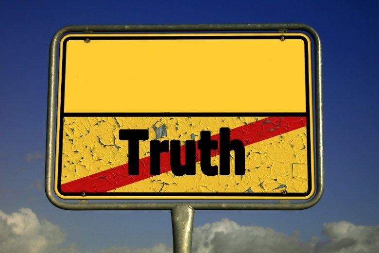 Fot. geralt/ [url=https://pixabay.com/pl/prawdy-k%C5%82amstwo-ulica-znak-kontrast-257162/]Pixabay[/url] / [url=https://pixabay.com/pl/service/terms/#usage]CC0 Public Domain[/url] Ten znak mówi, że kłamiesz!