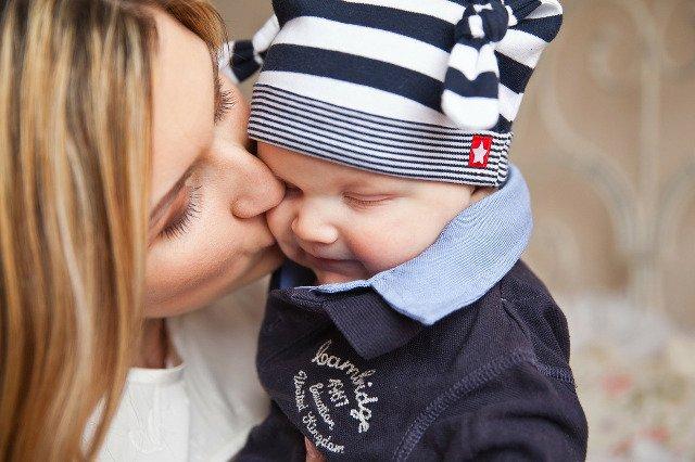 syn umawia się z matką małżeństwo nie spotyka się ze sceną pocałunków