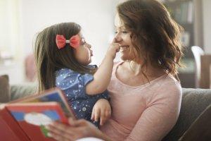 Czy mama ma 30, czy 35 - dla dziecka to nie ma znaczenia, ale jak się okazuje, dla kobiecego umysłu już tak.