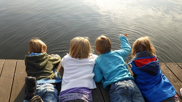 Fot. Pixabay/[url=http://pixabay.com/pl/dziewczyna-ch%C5%82opcy-dzieci-rozwoju-516341/]EME[/url] / [url=http://bit.ly/CC0-PD]CC0 Public Domain[/url]