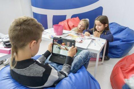 Dzięki aplikacji Brawo Bank AR nauka staje się dla dziecka fascynującą przygodą
