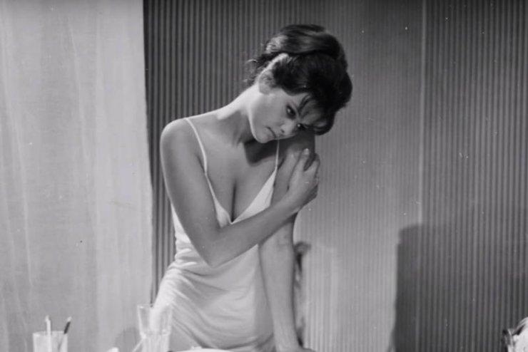 """Kadr z filmu """"8 1/2"""" z przepiękną Claudią Cardinale"""