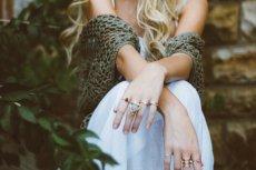 Fot. Pexels / [url=https://www.pexels.com/photo/girl-fashion-hands-rings-24155/]unsplash.com[/url]/[url=https://www.pexels.com/photo-license/]CC0 License[/url]