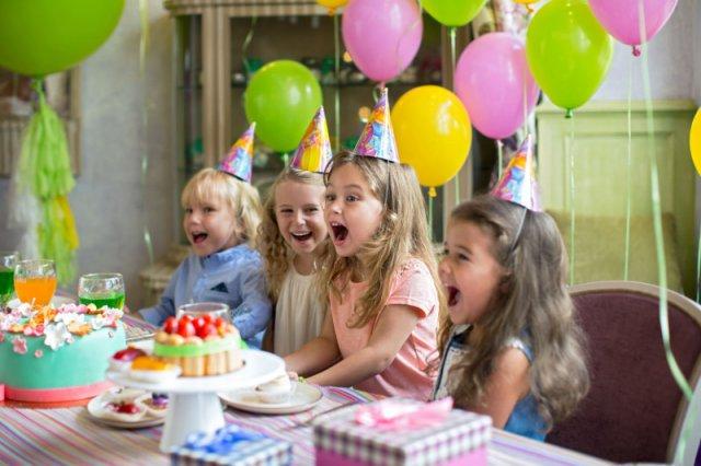 Kiedy otwierać prezenty urodzinowe?