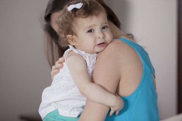 Rozstanie z nianią nie musi być dla dziecka dramatem, umiejętnie przeprowadzone będzie tylko kolejnym doświadczeniem.