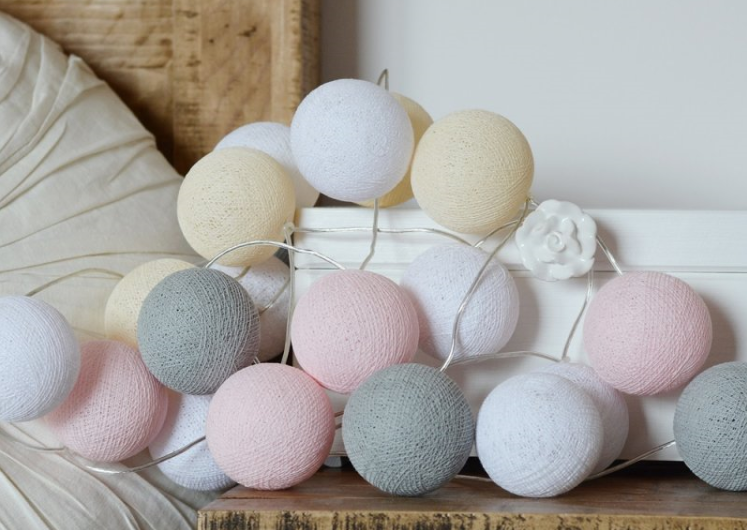 Cotton balls dostępne są w wielu kolorach
