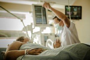 Sytuacja w szpitalu w Chrzanowie  jest kuriozalna, pacjentki mogą liczyć na podanie znieczulenia tylko w wyznaczonych godzinach.