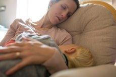 Bycie pełnoetatową mamą jest przywilejem, jednak czasem brakuje sił.